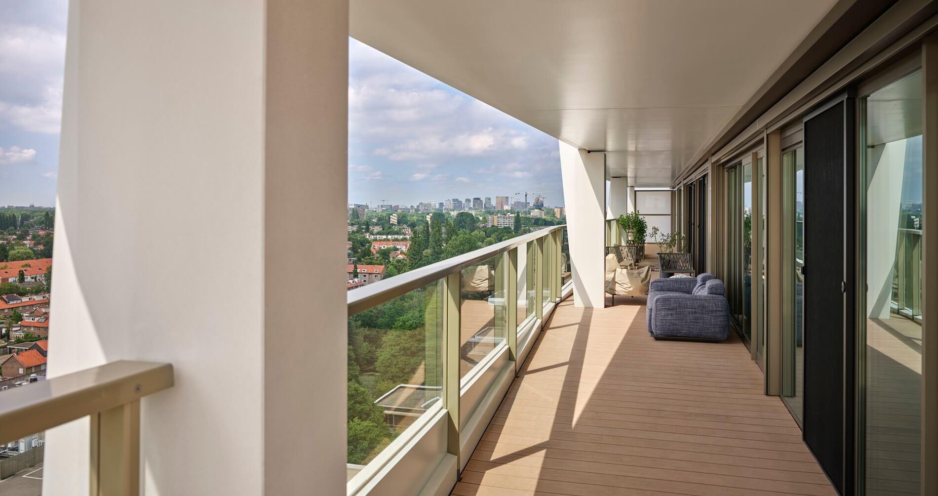 Balkon van Up Mountain Amstelveen door Rijnboutt van fotograaf Kees Hummel
