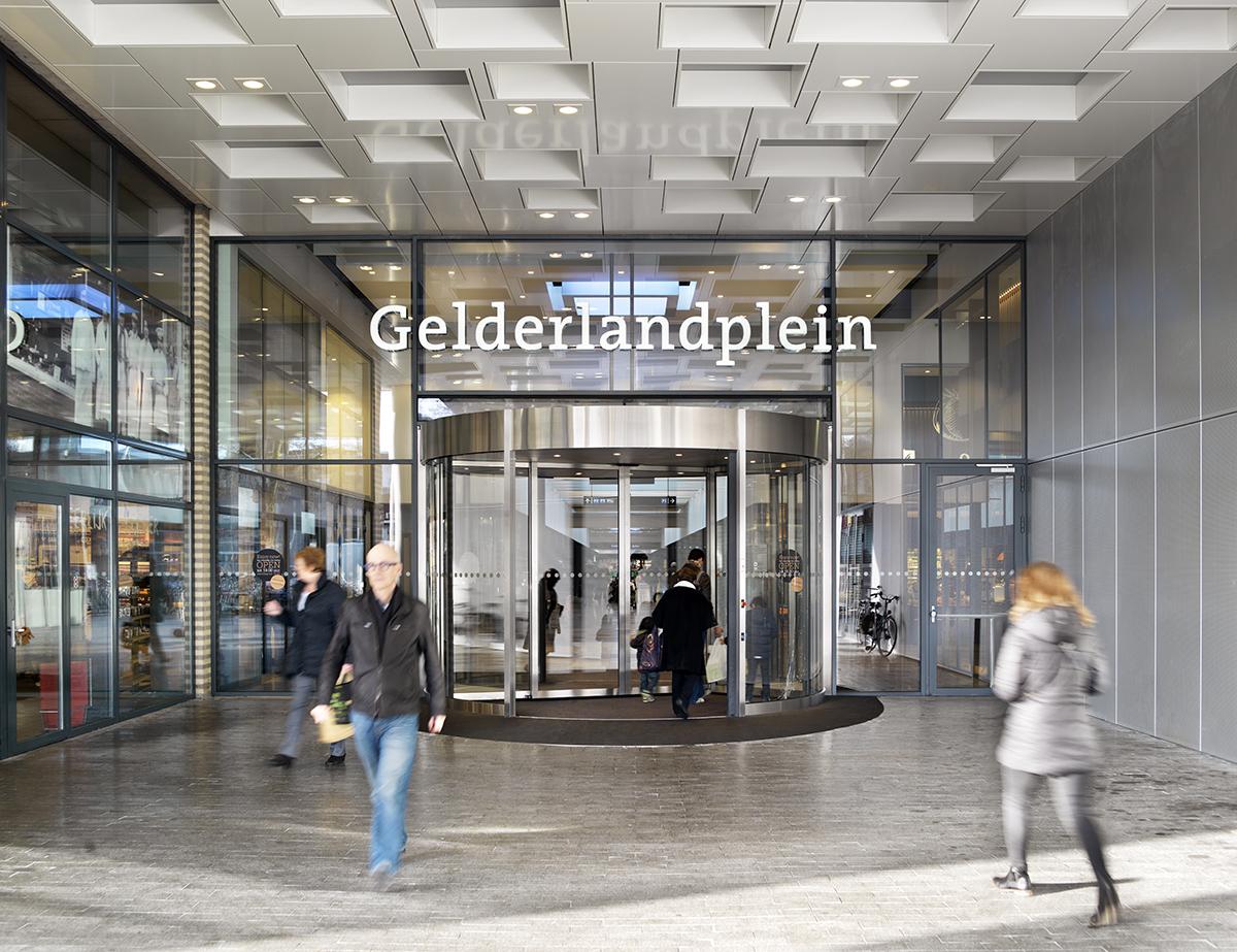 Winkelcentrum Gelderlandplein Elementhotel Amsterdam entree
