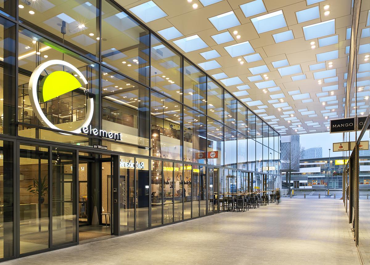 Winkelcentrum Gelderlandplein Elementhotel Amsterdam ingang hotel