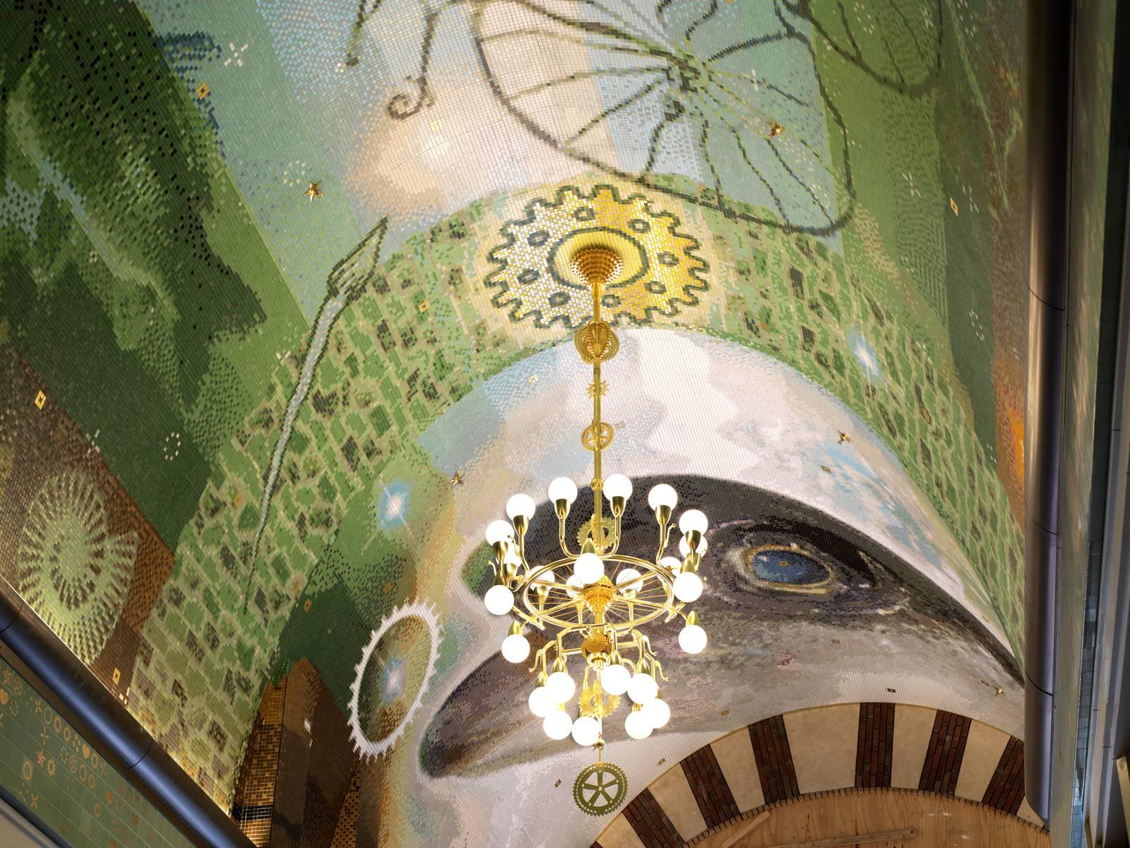 Beurspassage, Damrak, Nieuwendijk Amsterdam mozaïekplafond en kroonluchter